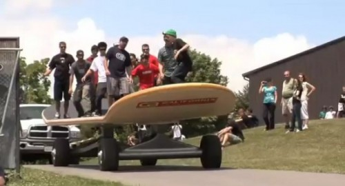The-World-Biggest-Skateboard-1.jpg